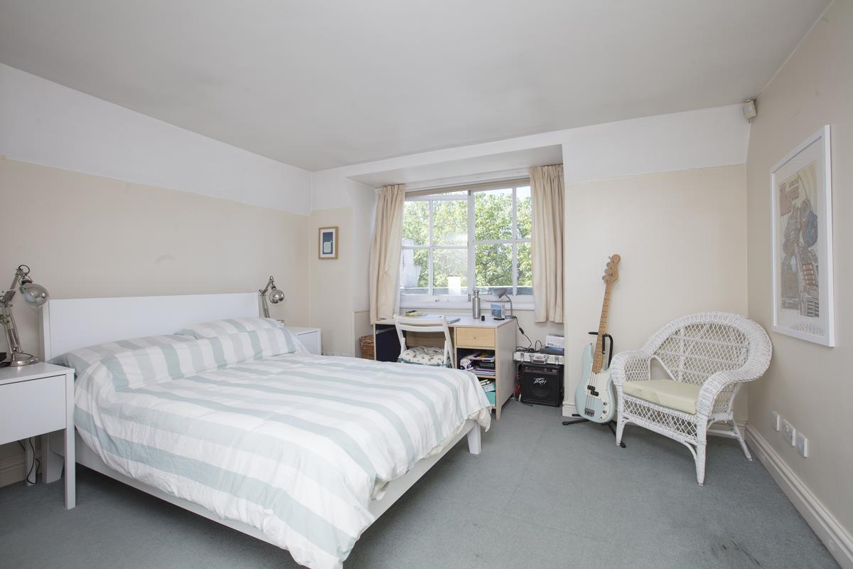 Flat - Conversion For Sale in Camberwell Grove, SE5 310 view2