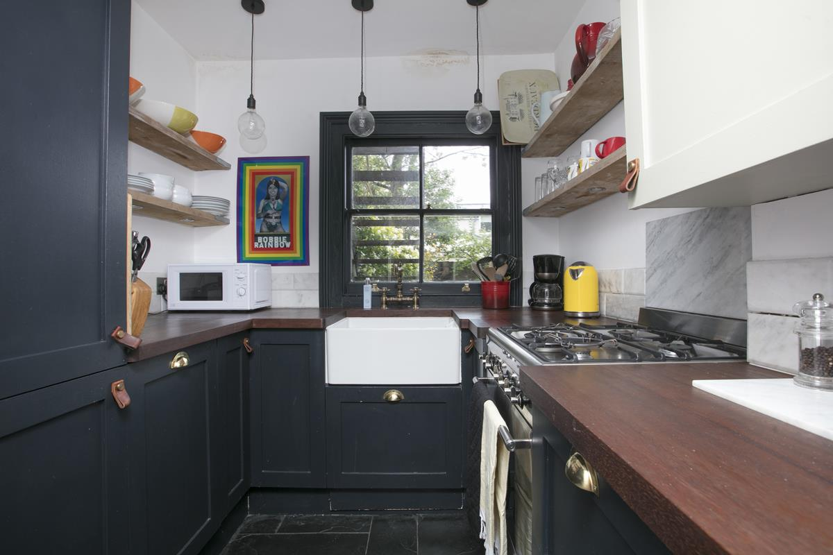 Flat - Conversion For Sale in Camberwell Grove, SE5 327 view3