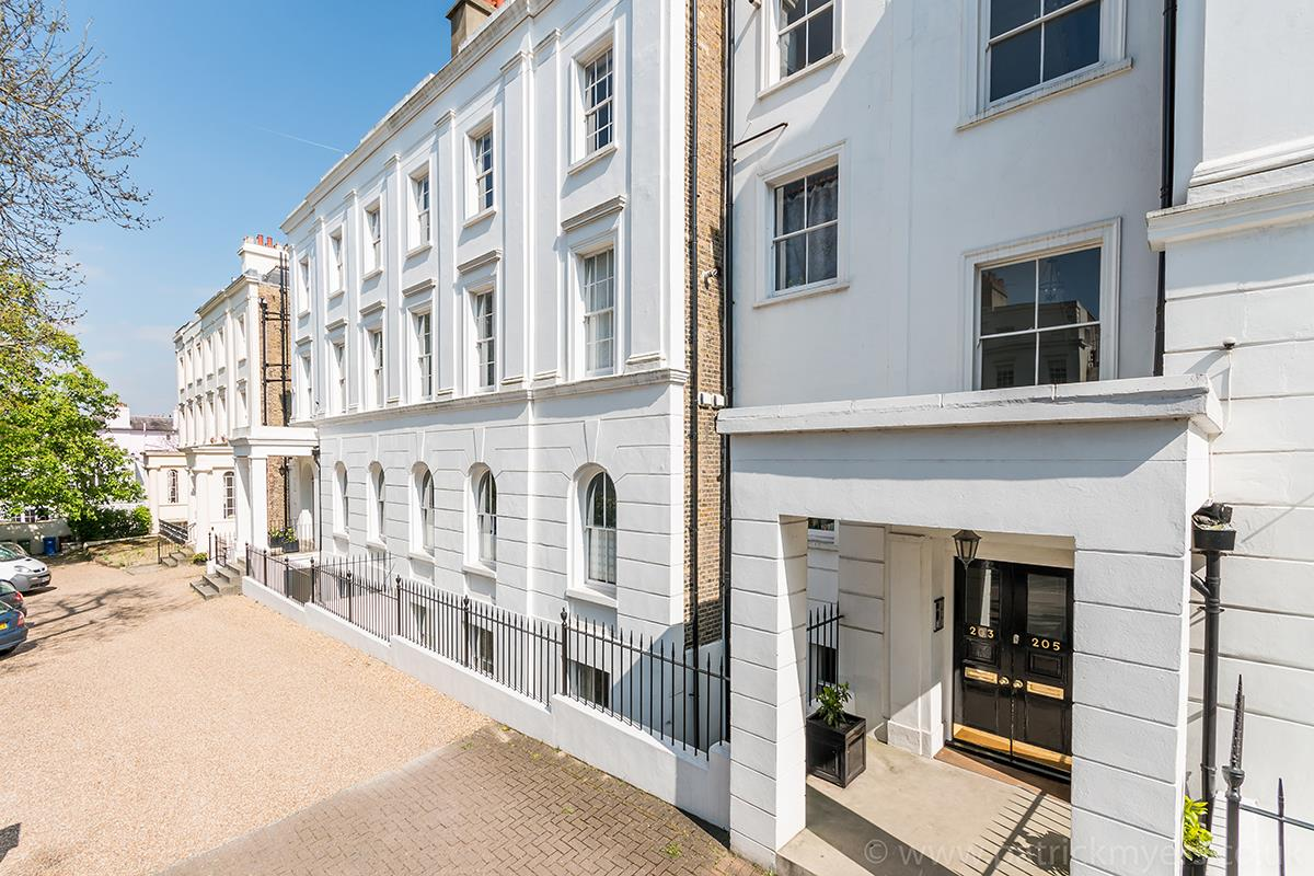 Flat - Conversion Sale Agreed in Camberwell Grove, SE5 348 view1