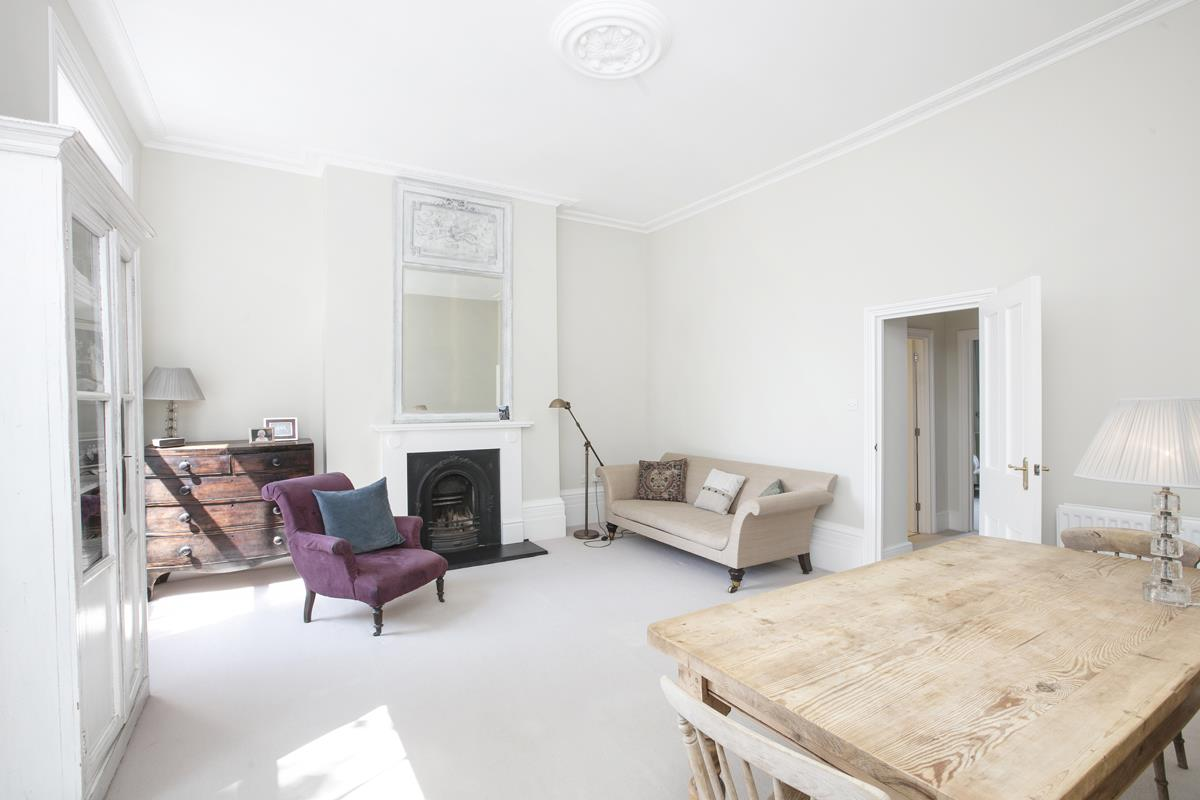 Flat/Apartment For Sale in Camberwell Grove, SE5 377 view4