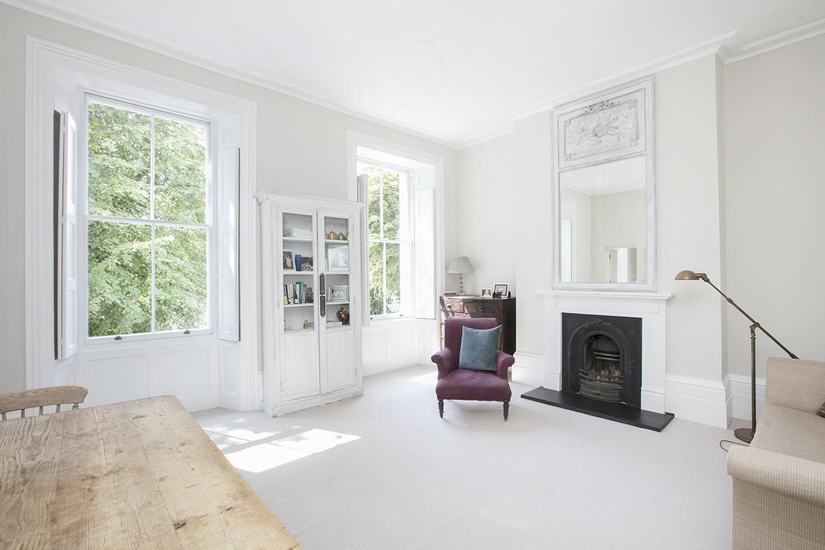 Flat/Apartment For Sale in Camberwell Grove, SE5 377 view1