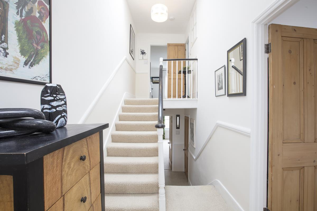 House - Semi-Detached For Sale in Carden Road, SE15 374 view24