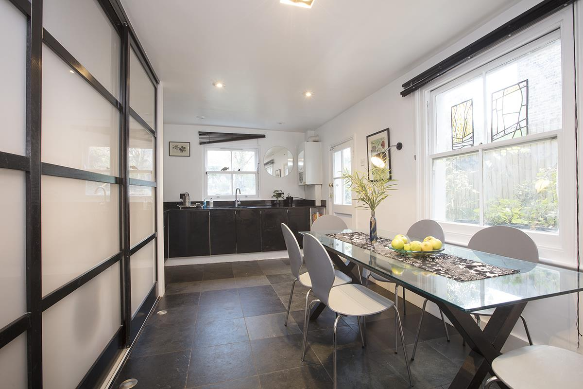 House - Semi-Detached For Sale in Carden Road, SE15 374 view9
