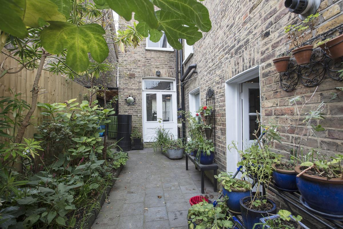 House - Semi-Detached For Sale in Carden Road, SE15 374 view25