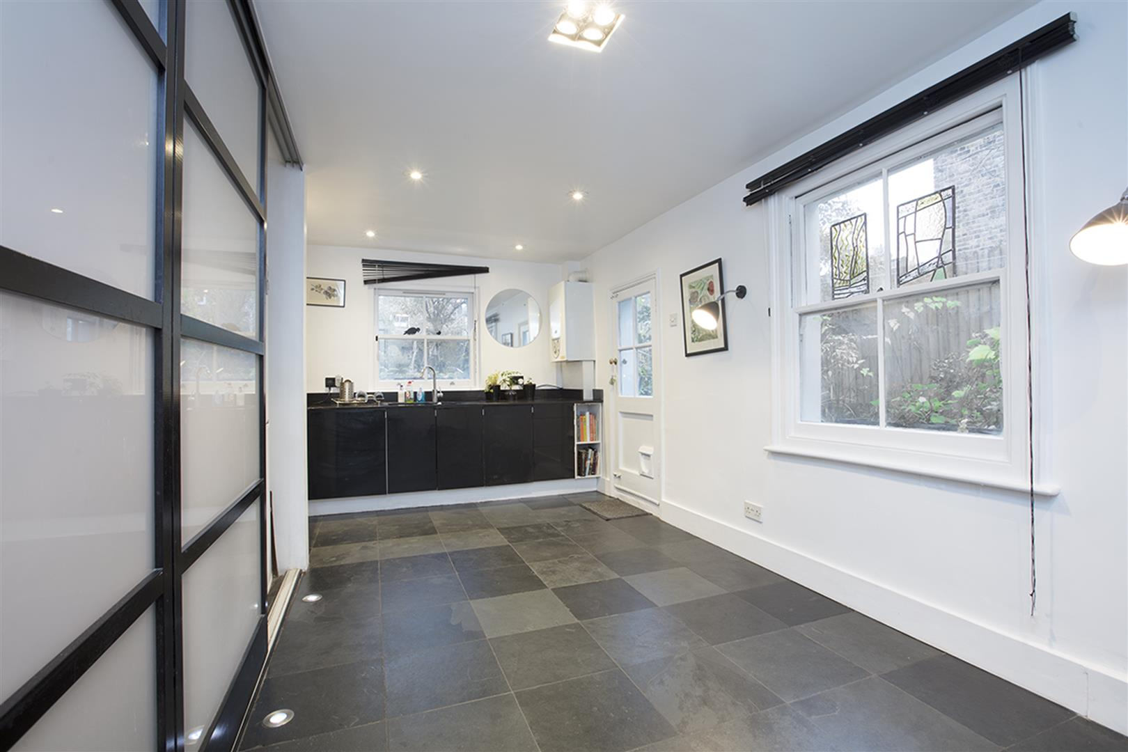 House - Semi-Detached For Sale in Carden Road, SE15 374 view7