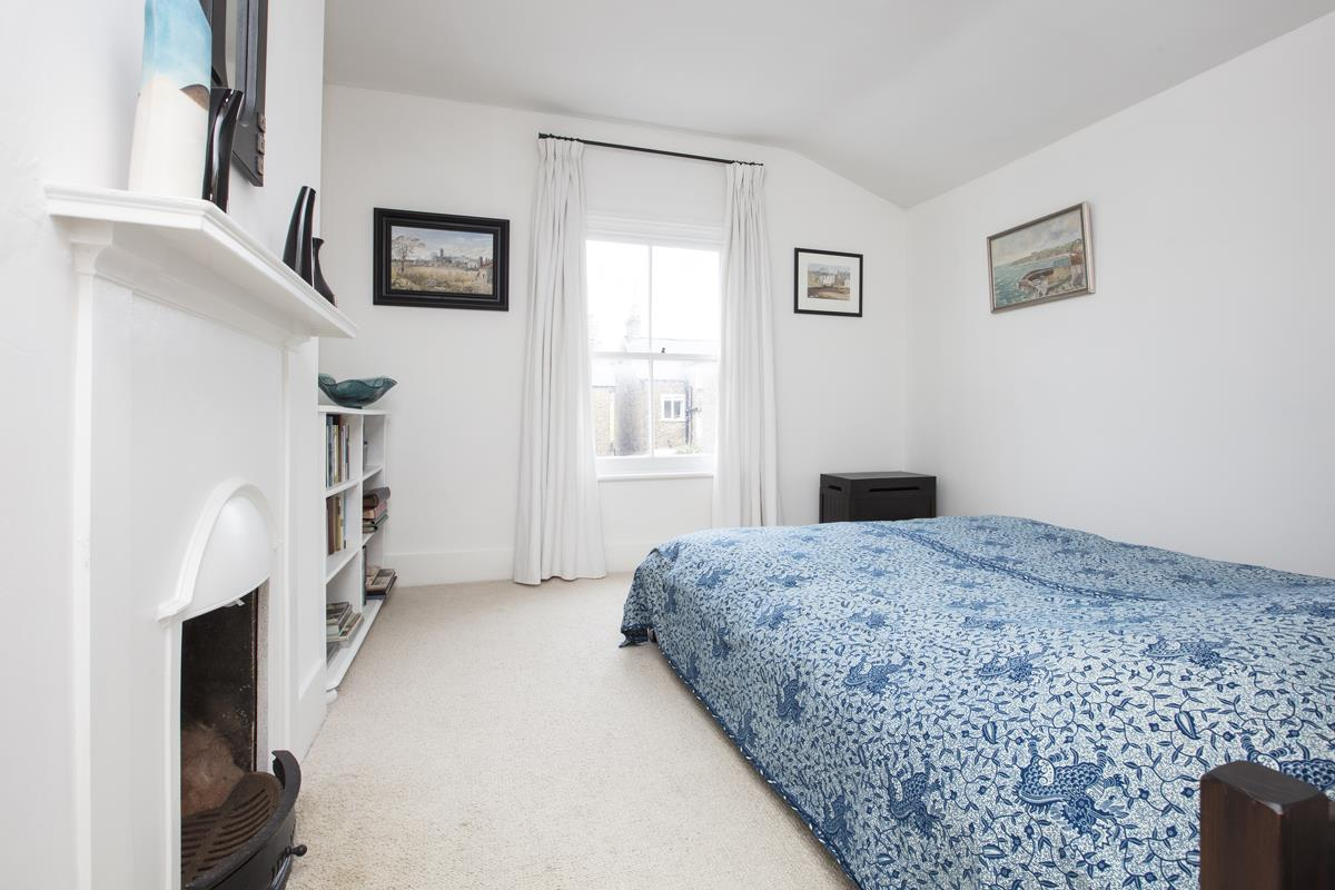 House - Semi-Detached For Sale in Carden Road, SE15 374 view11