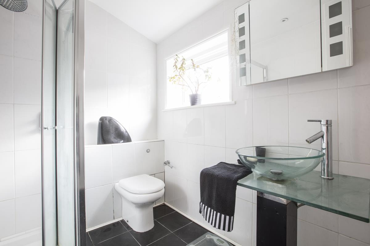 House - Semi-Detached For Sale in Carden Road, SE15 374 view20