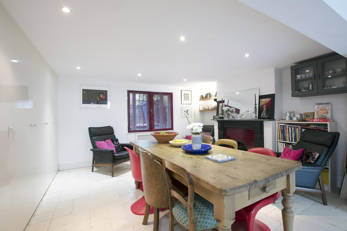 House - Terraced For Sale in Choumert Road, SE15 361 view14