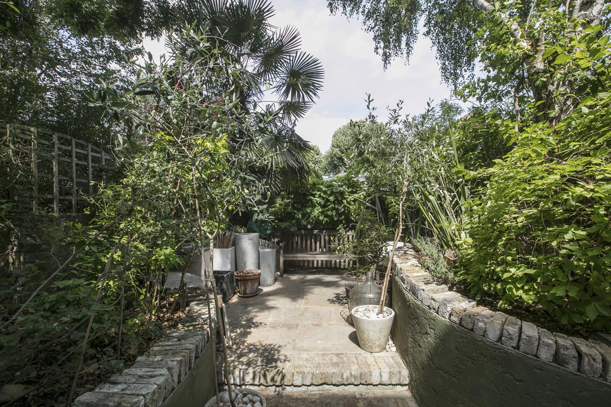 House - Terraced For Sale in Choumert Road, SE15 361 view4