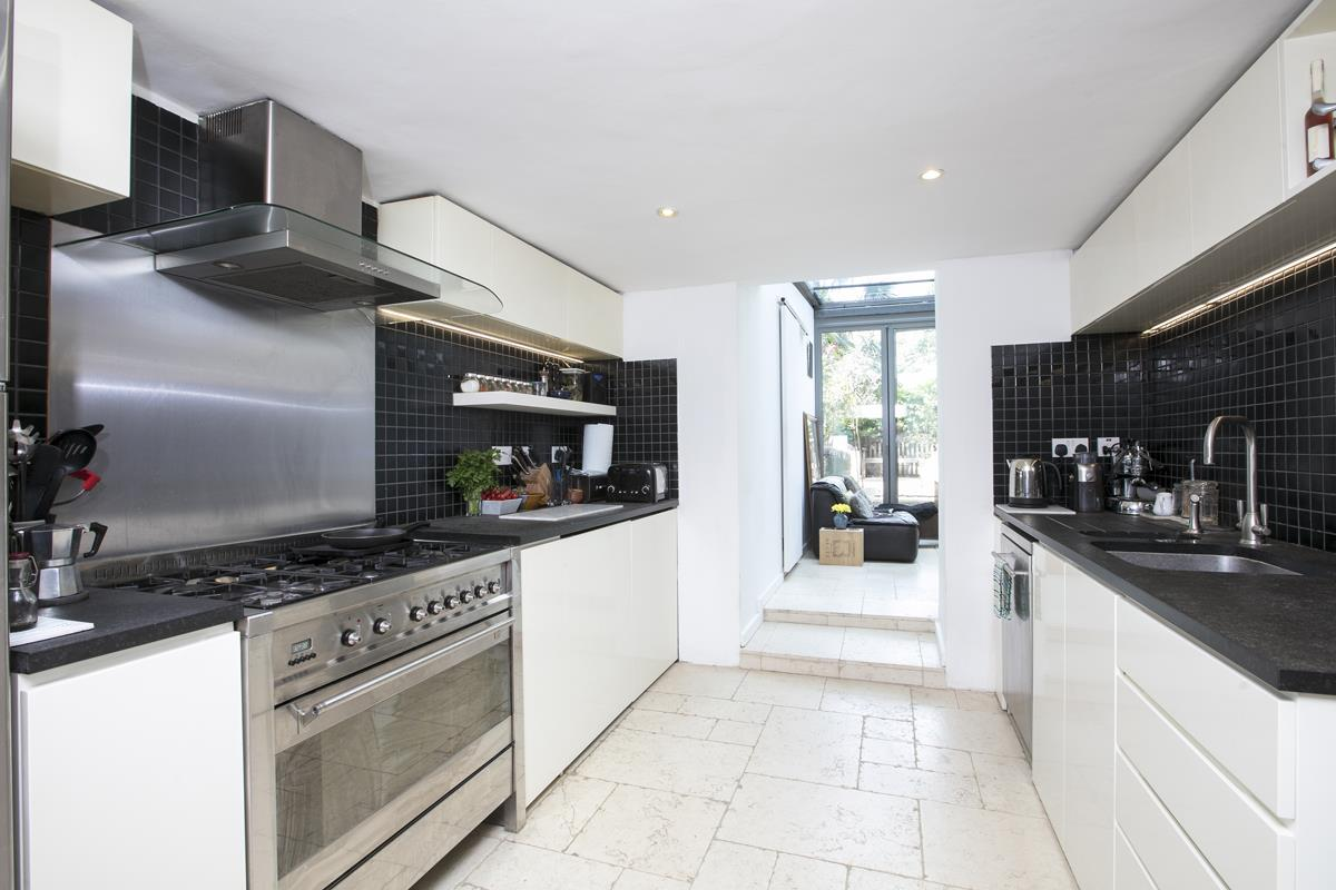 House - Terraced For Sale in Choumert Road, SE15 361 view15