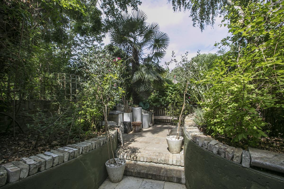 House - Terraced For Sale in Choumert Road, SE15 361 view28
