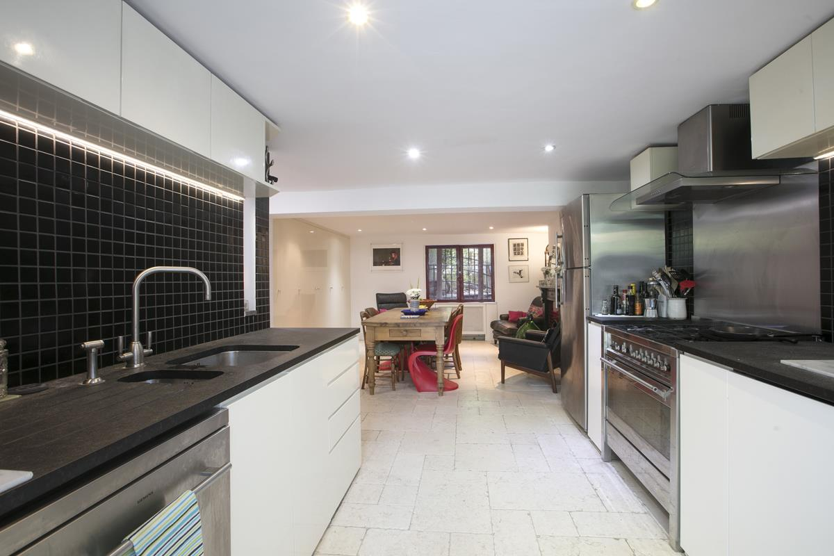 House - Terraced For Sale in Choumert Road, SE15 361 view16