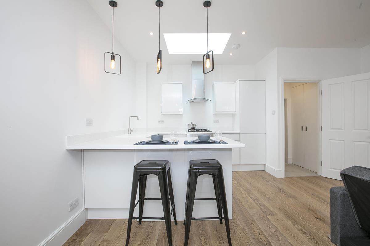 Flat/Apartment For Sale in Coldharbour Lane, SW9 376 view1