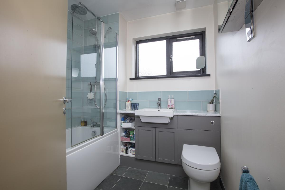 House - Link Detached Sale Agreed in Cuthill Walk, SE5 274 view8