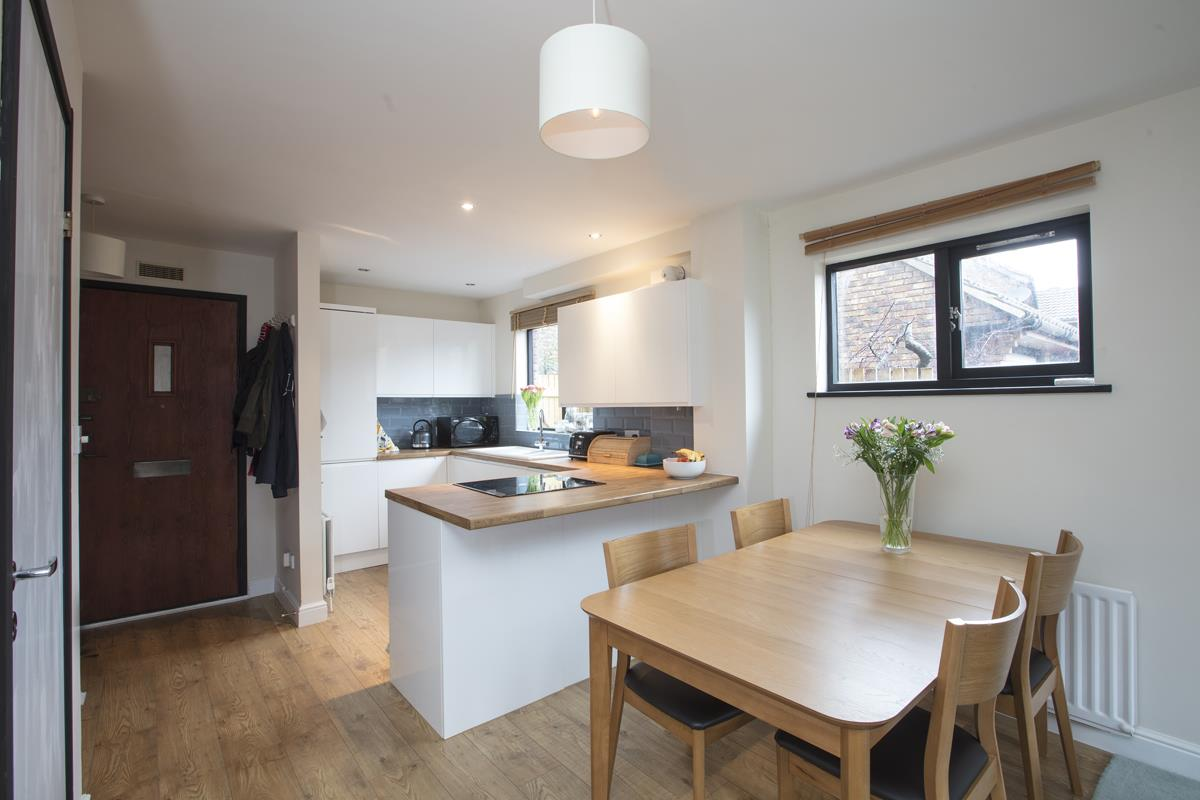 House - Link Detached Sale Agreed in Cuthill Walk, SE5 274 view4