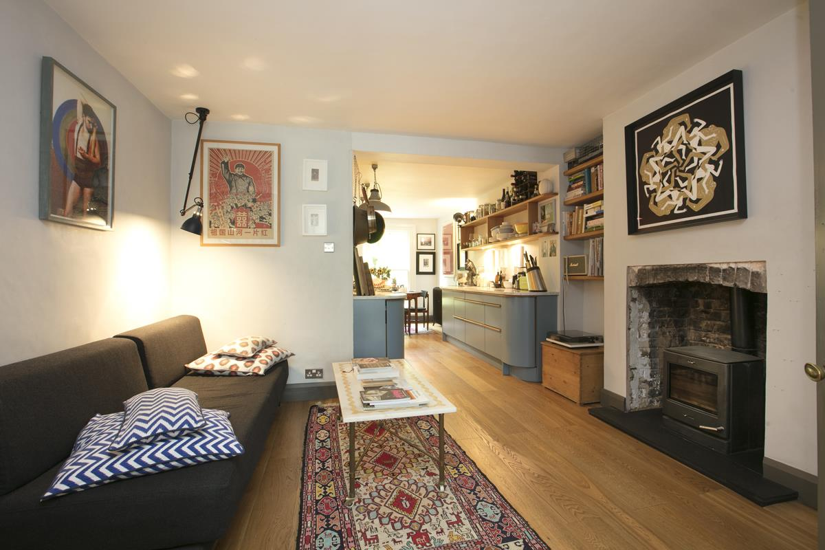 Flat/Apartment For Sale in Fenwick Road, SE15 373 view2