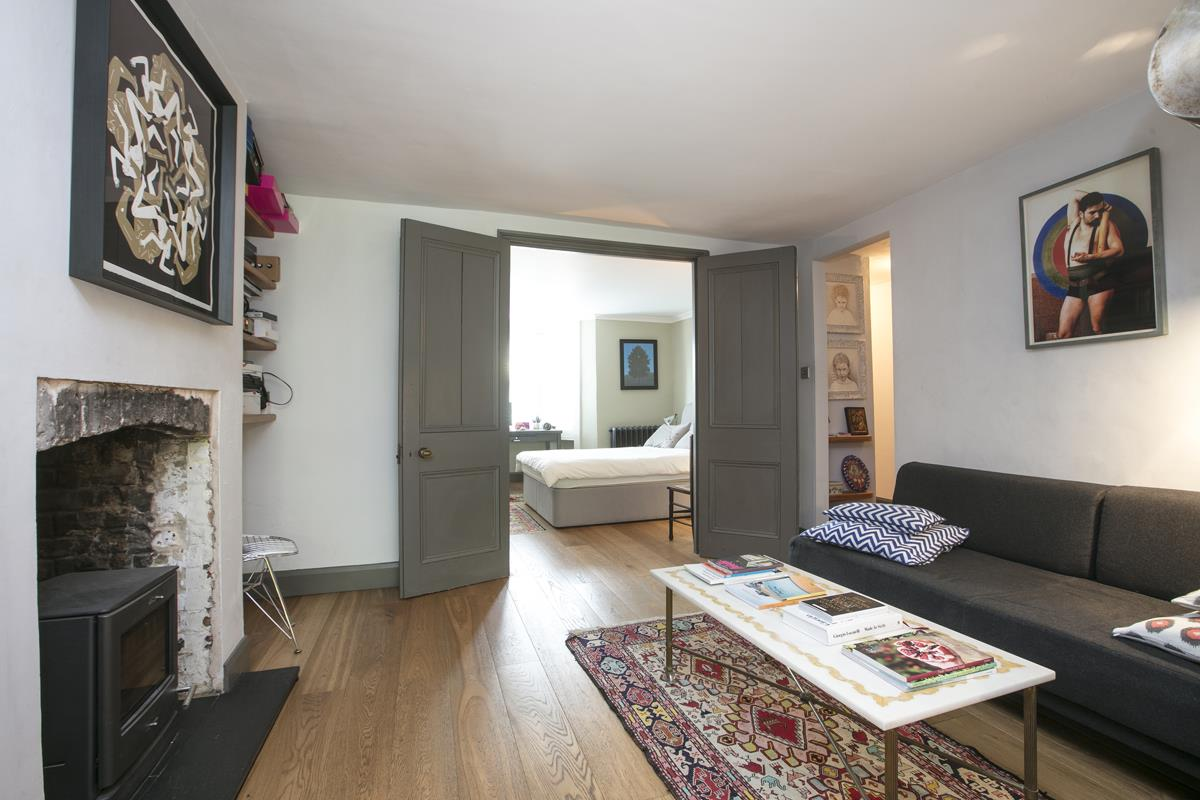 Flat/Apartment For Sale in Fenwick Road, SE15 373 view3