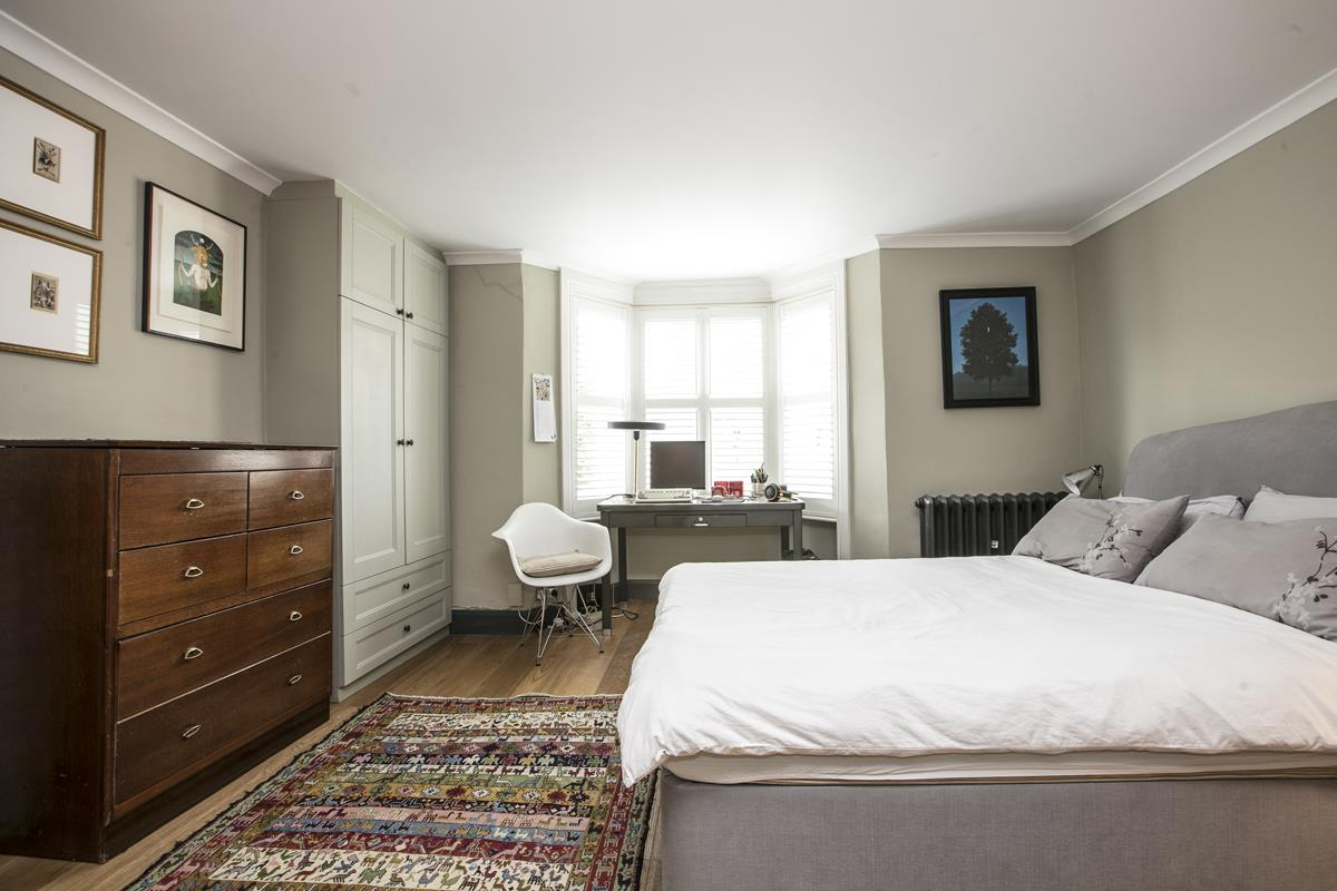 Flat/Apartment For Sale in Fenwick Road, SE15 373 view7