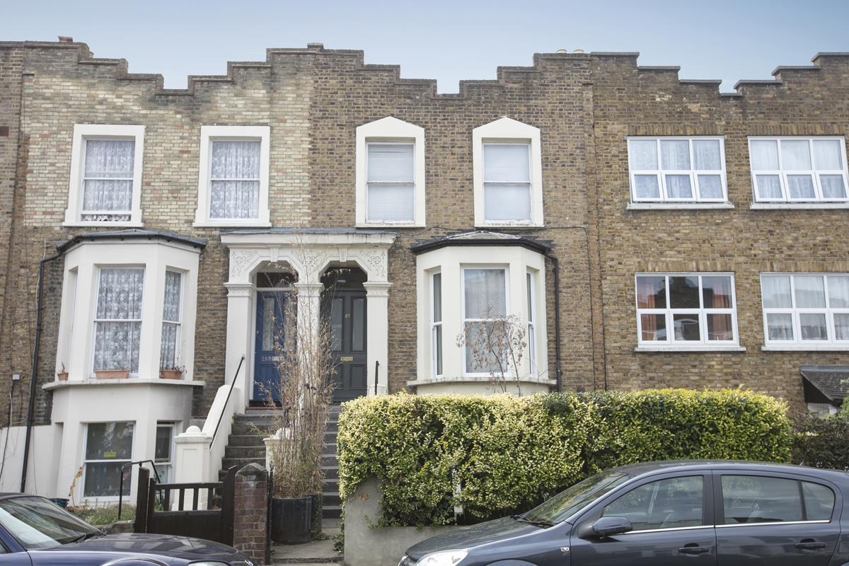 Flat/Apartment For Sale in Fenwick Road, SE15 373 view1