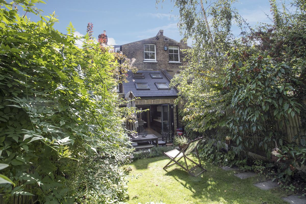 House - Terraced For Sale in Grove Hill Road, SE5 378 view11