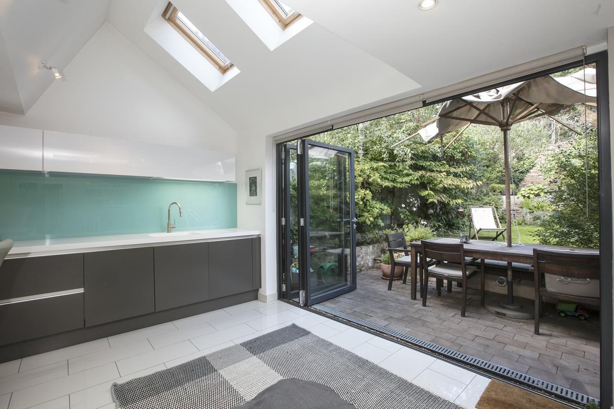 House - Terraced For Sale in Grove Hill Road, SE5 378 view4