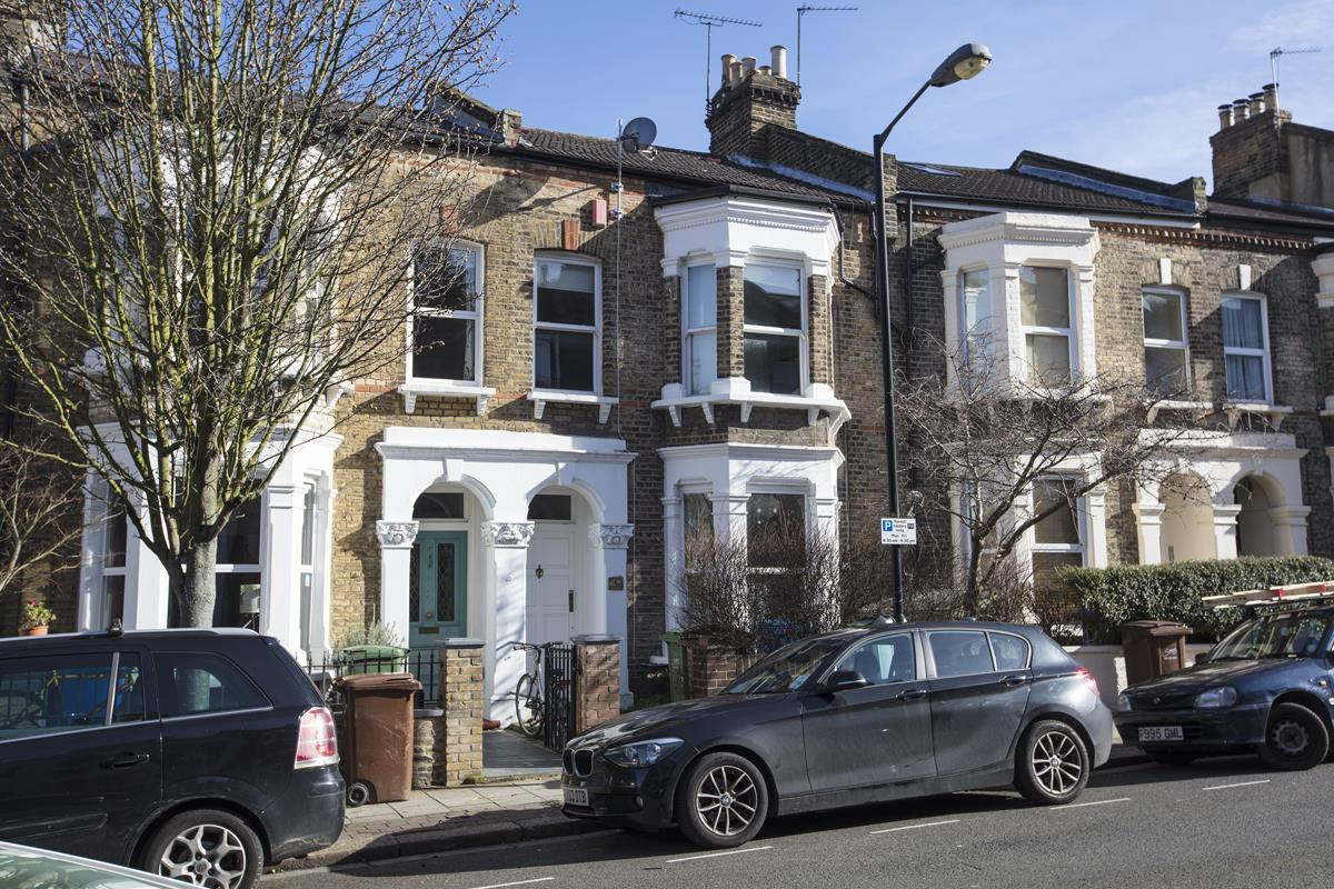 House - Terraced For Sale in Shenley Road, SE5 277 view1