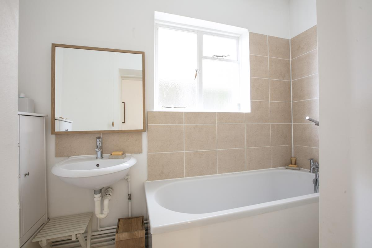 Flat/Apartment Sold in Talfourd Road, SE15 283 view10