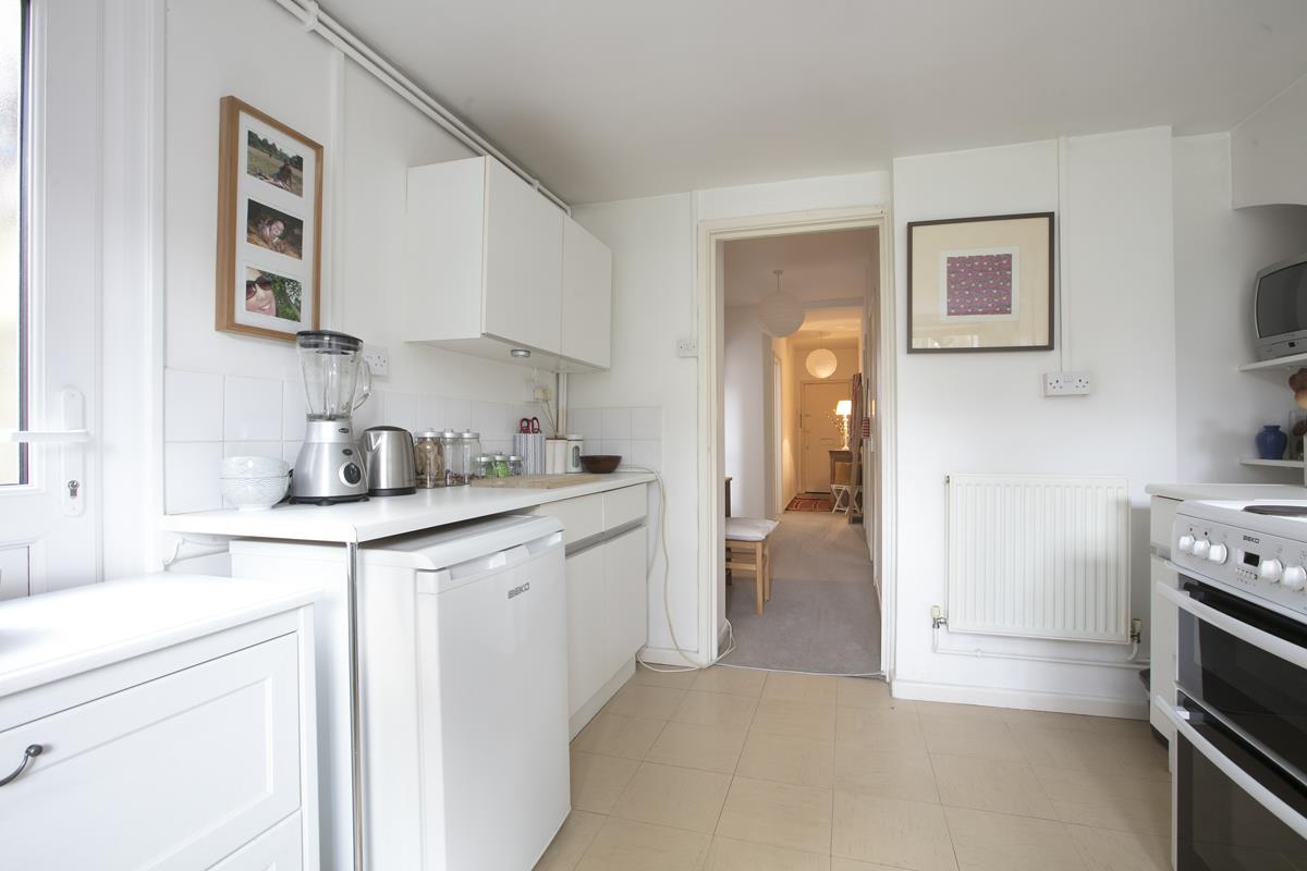 Flat/Apartment Sold in Talfourd Road, SE15 283 view3