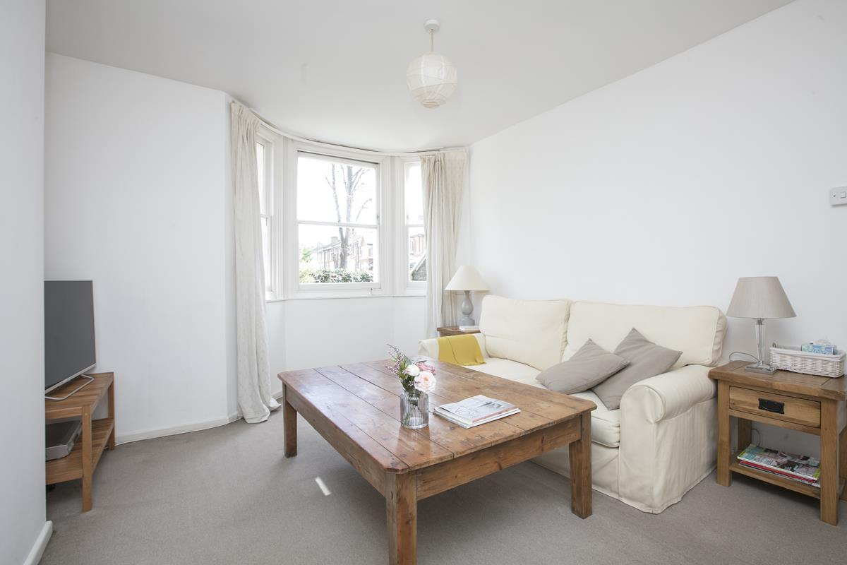 Flat/Apartment Sold in Talfourd Road, SE15 283 view2