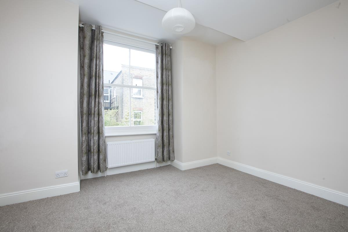 Flat - Conversion For Sale in Venetian Road, SE5 360 view8