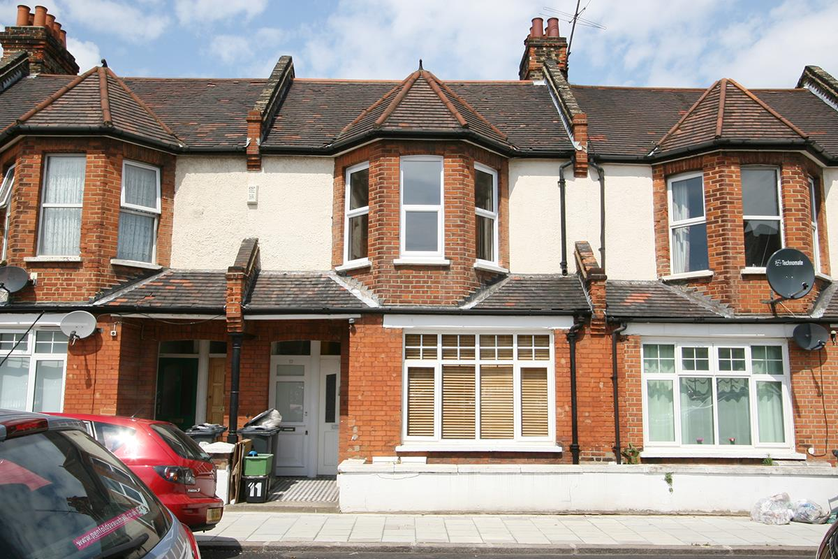 Flat - Conversion For Sale in Venetian Road, SE5 360 view1